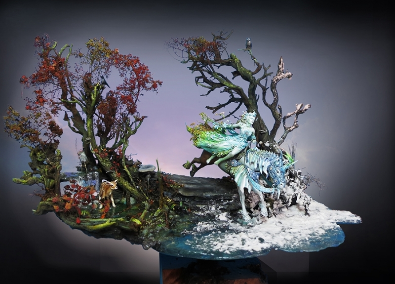 ENCHANTERESSE (2014, 54mm, pour un collectionneur privé) Sculpture : Christian Hardy Peinture & mise en scène : Jérémie Bonamant Teboul